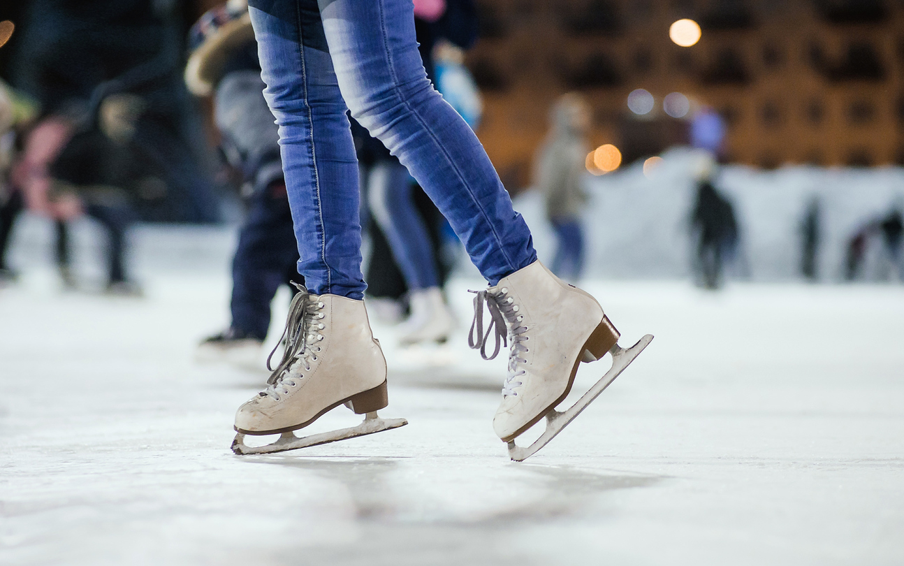girl-ice-skating
